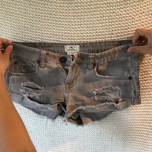 Oniell gray distressed jean shorts